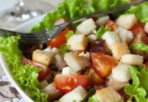 Салат из скумбрии и фасоли