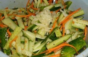 Салат из огурцов с перцем по-корейски