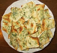 Укропно чесночные чипсы из лаваша