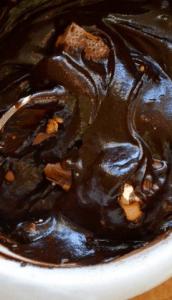 Приготовление шоколадного кекса с солёной карамелью